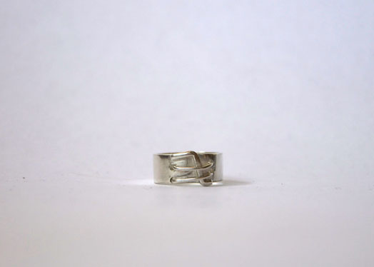 silver/ring baumeister silver grid.jpg
