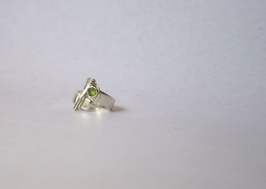 silver/ring silver peridot baumeister.jpg